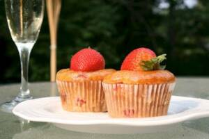 Strawberry Cupcakes with Champagne Glaze: