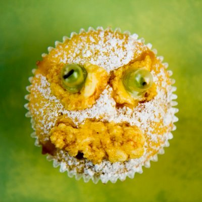 Halloween Cupcakes with Edible Googly Eyes