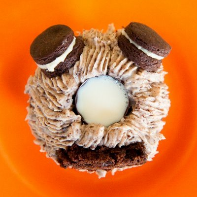 Oreo Cupcakes – With a Built-In Cup for Milk