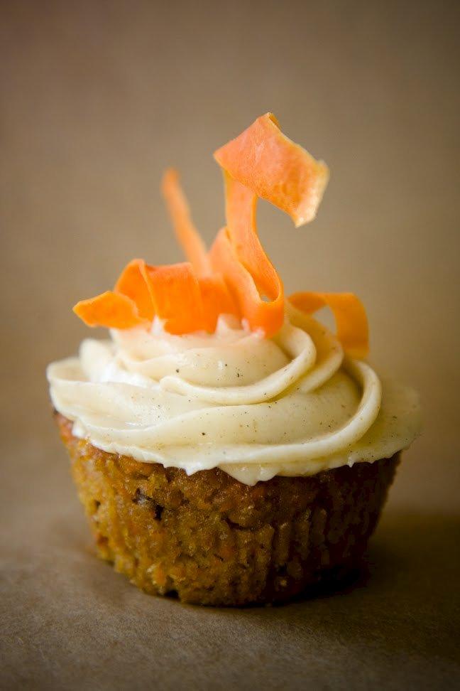 easy moist carrot cake cupcakes