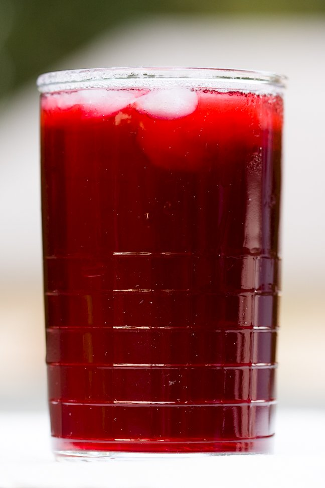 Hibiscus Tea – Brewed at Home From Dried Hibiscus Flowers