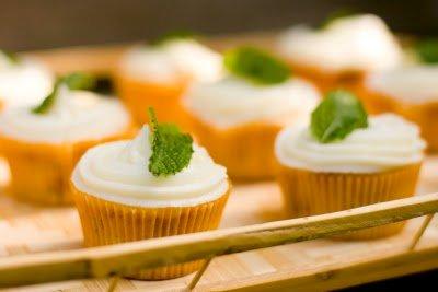 Peach Tea Cupcakes on Paula Deen