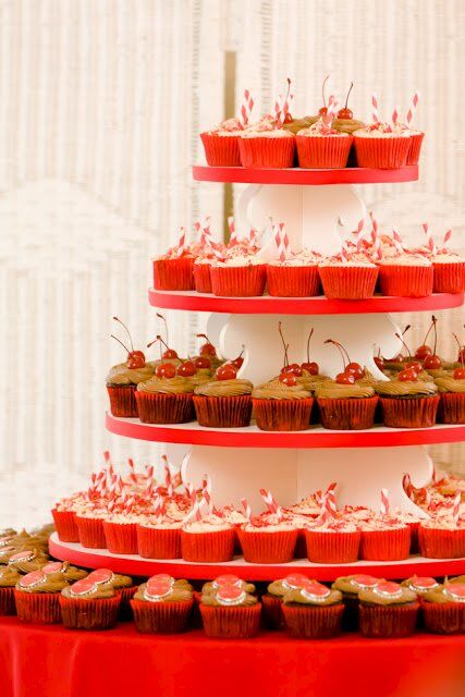 Wedding Cupcakes – 160 Cupcakes Made From Scratch in My Home Kitchen
