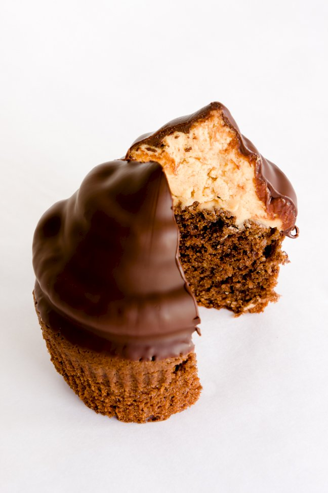 Chocolate Peanut Butter Hi-Hat Cupcakes Recipe