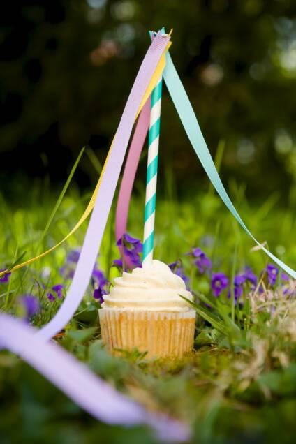 May Day Cupcakes