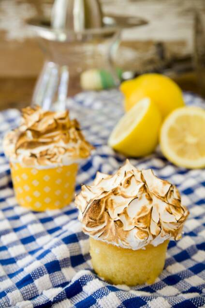 Mile-High Lemon Meringue Cupcakes