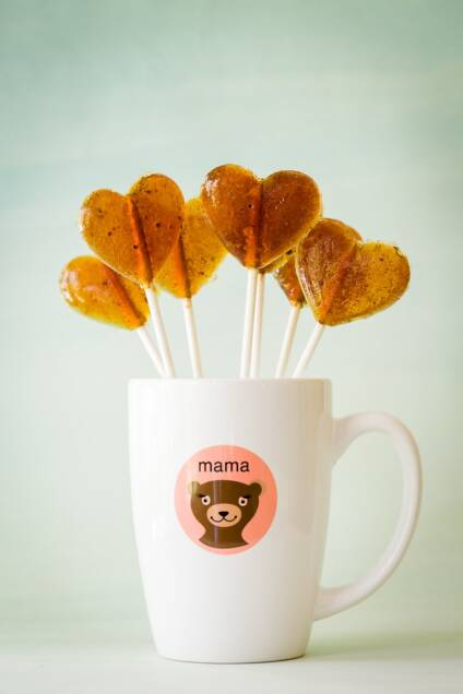 Homemade Cinnamon-Dusted Coffee Lollipops