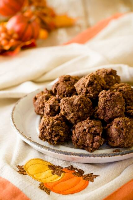 5 Minute Gluten-Free No-Bake Crispy Chocolate Pumpkin Bites