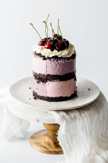 No Bake Berry Oreo Cheesecake