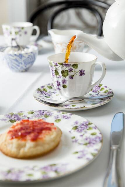 How to Enjoy Tea and Crumpets