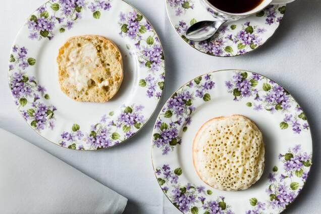 English Muffin vs Crumpet