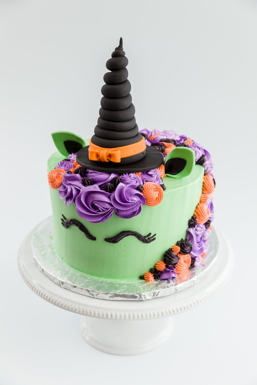 Make The Cut >> Halloween Witch Unicorn Cake | Cupcake Project